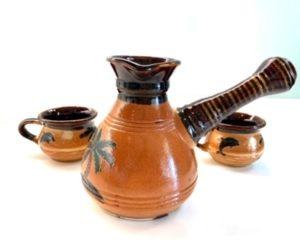 Керамическая турка с чашками